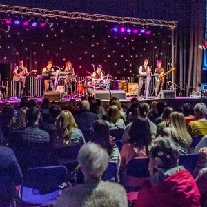 Live band showcase